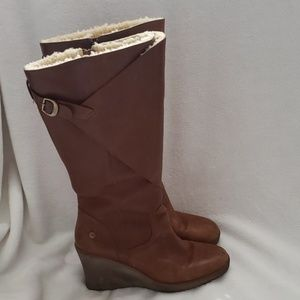 UGG CORINTH wedged boots.